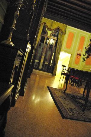 Hotel San Moise: Hall dos quartos