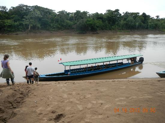 Posada Amazonas: River Travel