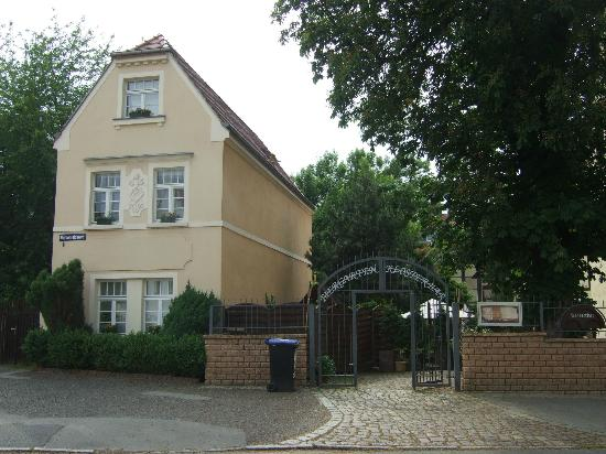 Hotel & Restaurant Klosterhof: A view of the beer garden