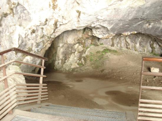 Grotte de Niaux: Entrance to Niaux Cave