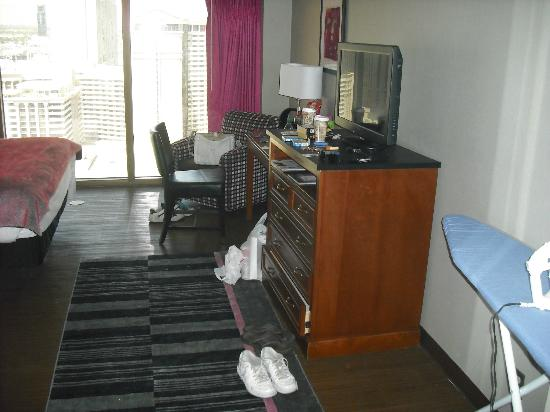 Flamingo fab deluxe room pictures