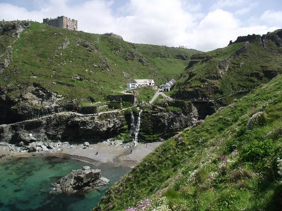 Cornish Coasts Caravan and Camping Park: Tintagel worth a visit!