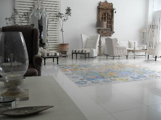 Lobby Lounge area with lovely mosaic floor