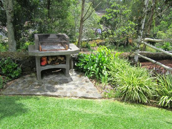 Quinta Das Acacias Rural Accommodations: Wood burning BBq.