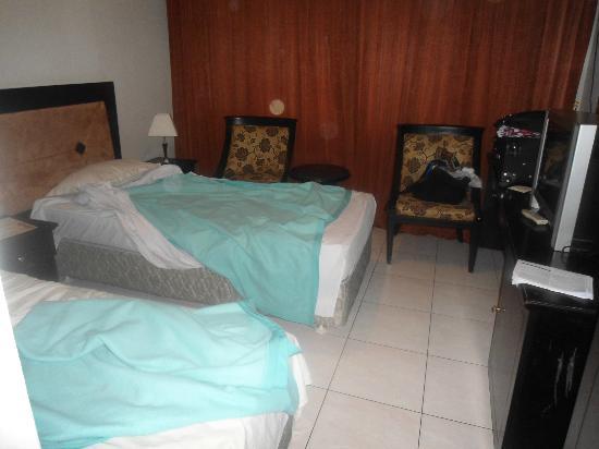 Serena Hotel Bandung: Room