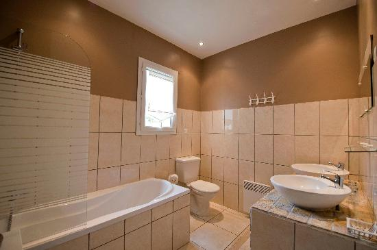 Domaine Co d' Esperou: Salle de bain Dame d' Antan