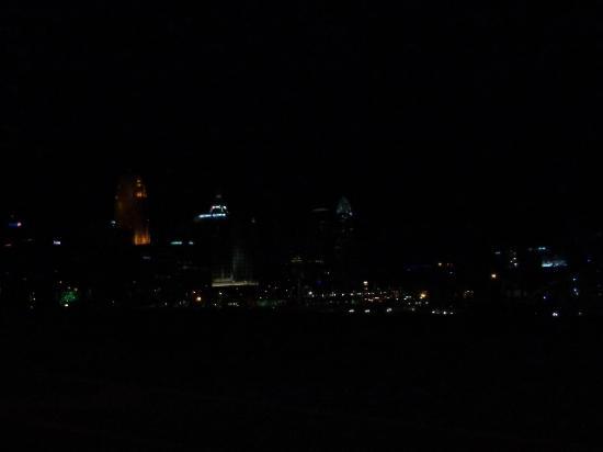 Radisson Hotel Cincinnati Riverfront : the view