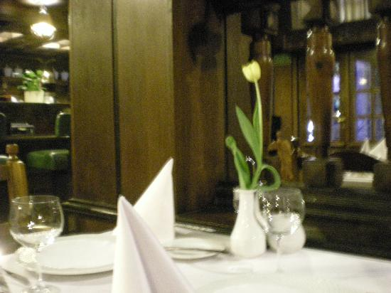 Tawerna: Our table