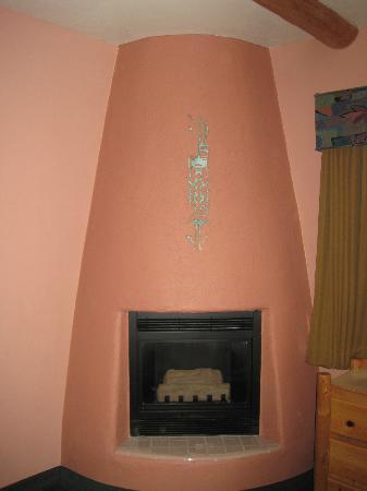 ساوث وست إن آت سيدونا: Our fireplace