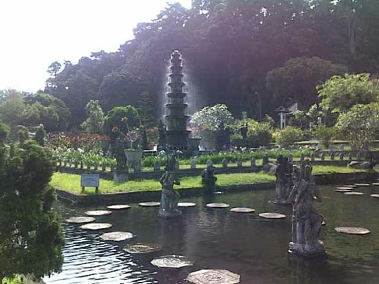 Putu Bali Driver Private Day Tour: Royal temple