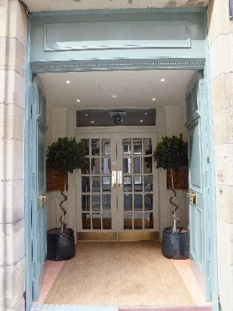 Brooks Hotel Edinburgh : Exterior Doors