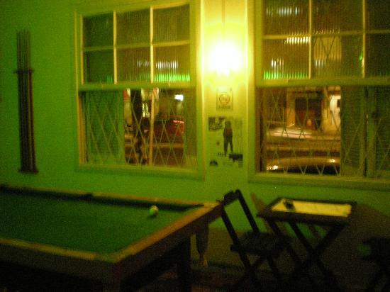 Hostel Porto Do Sol: Pool table