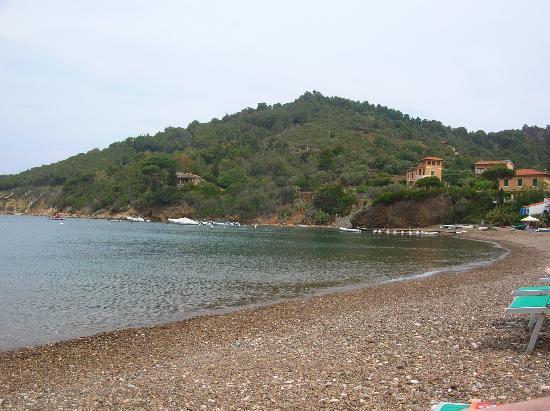 Hotel & Resort Sant'Anna del Volterraio: La spiaggia di Bagnaia