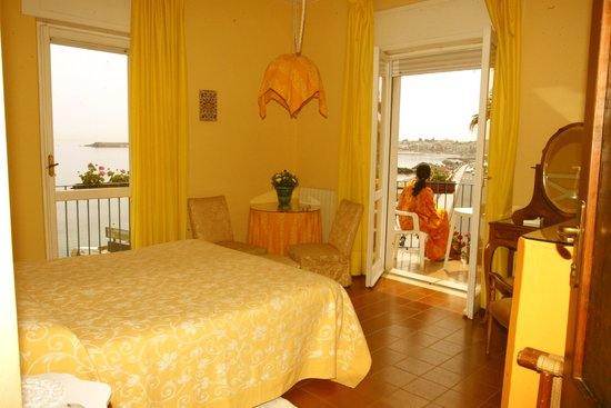 Hotel Palladio: una delle due camere che compongono la suite famigliare