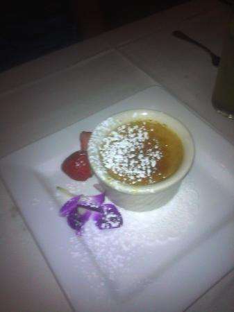 Hannah's off the Square: Decadent creme brûlée .