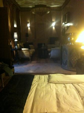 Riad Noir d'Ivoire: the room, not easy to show how beautiful it was