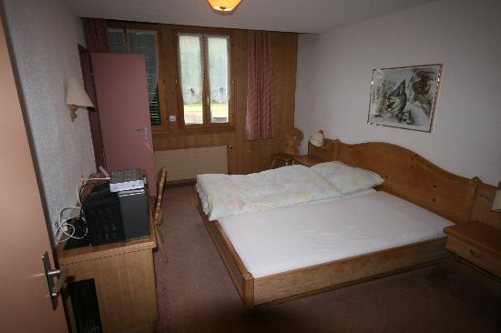 Hotel Restaurant Bahnhof: Zimmeransicht 2