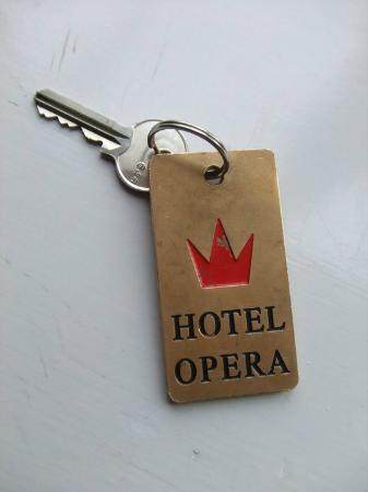 Hotel Opera : Fun key ring