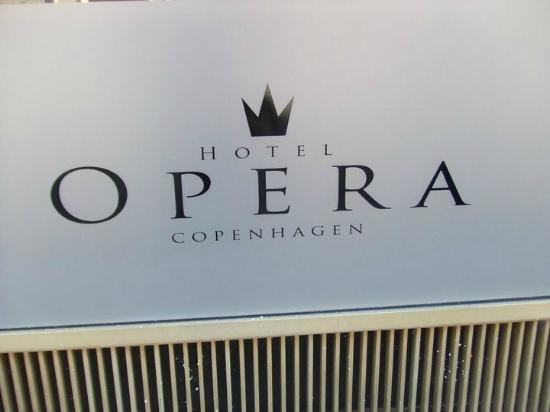 Hotel Opera: Logo