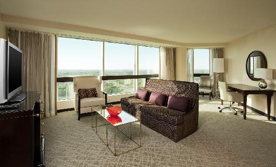 Sheraton Tysons Hotel: One Bedroom Suite