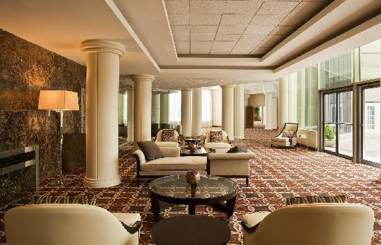 Sheraton Tysons Hotel: Tysons Foyer