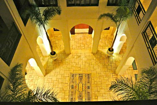 Villa Makassar: riad courtyard