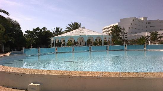 Hotel Club President: leur piscine