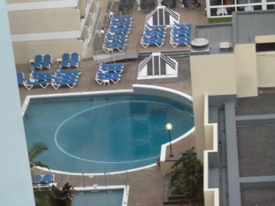 Alto Lido Hotel: piscine extérieure vue du 13 ème étage