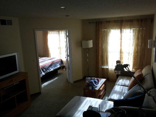 HYATT house Colorado Springs : From doorway into room