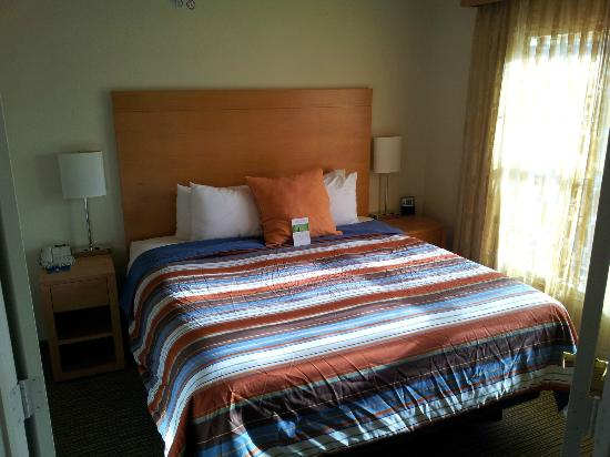 HYATT house Colorado Springs: King bed