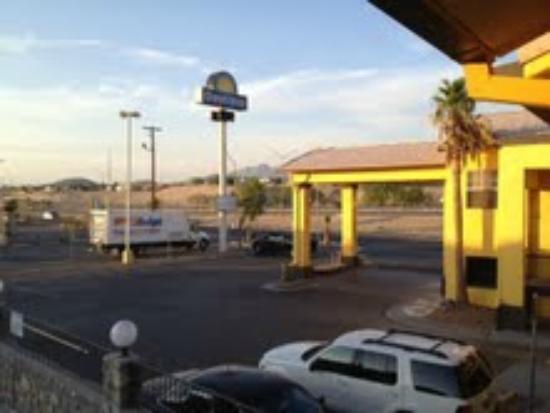 Days Inn El Paso West: Outside