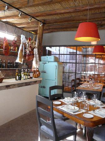 Dantesco Restaurante: Soberbia, salón principal de Dantesco