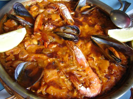 RESTAURANT BAHIA : Awesome seafood paella!