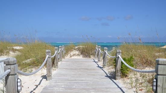Beach House Turks & Caicos : Mere steps away from Grace Bay Beach