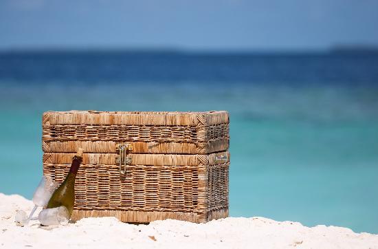 Beach House Turks & Caicos : Enjoy a picnic on the beach with us.