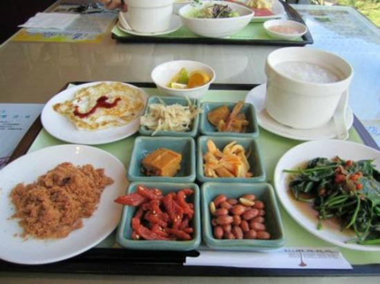 Calla Young Garden Resort: Chinese Breakfast Set