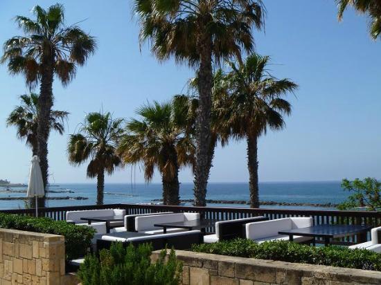The Annabelle: terrasse sympa à l'avant de l'hôtel