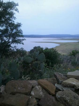 Canyon of the Eagles Resort: The view of the lake from the porch on our cabin