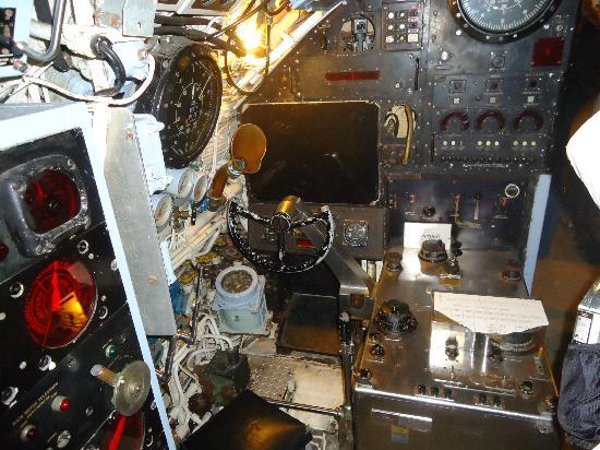 U-Boat Museum: Meters