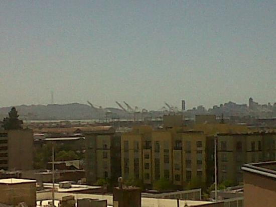 Oakland Marriott City Center: View of San Francisco in the Distance From the Room