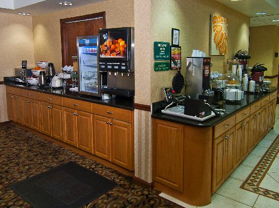 Comfort Suites: Hot Breakfast served daily