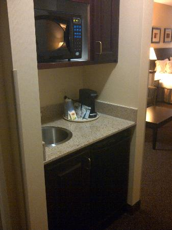 Holiday Inn Express Fort Collins: Kitchenette