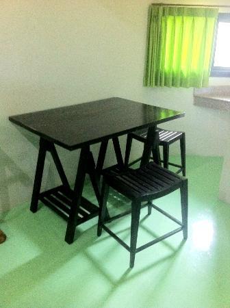Samui Econo Lodge: place to eat together