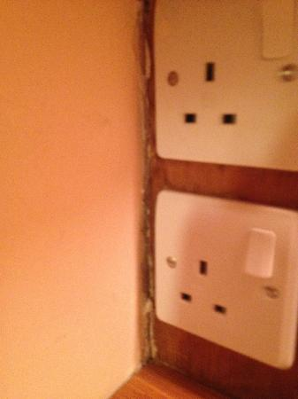 St Giles London - A St Giles Hotel: loose plugs