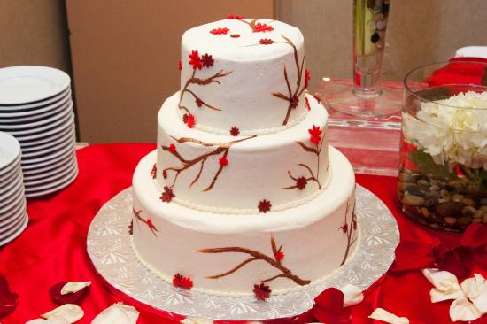 Sheraton Houston Brookhollow Hotel: Wedding cake