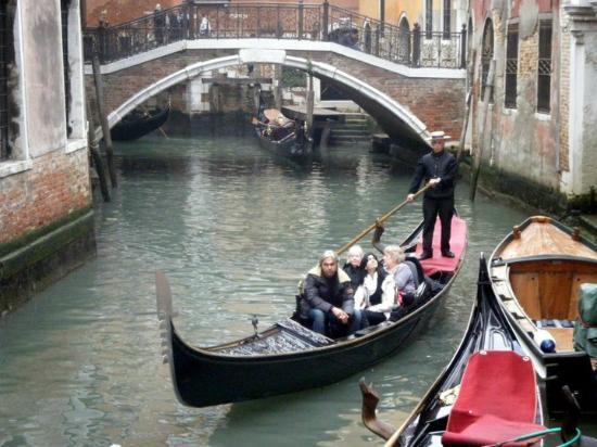 Santa Marina Hotel: Canal