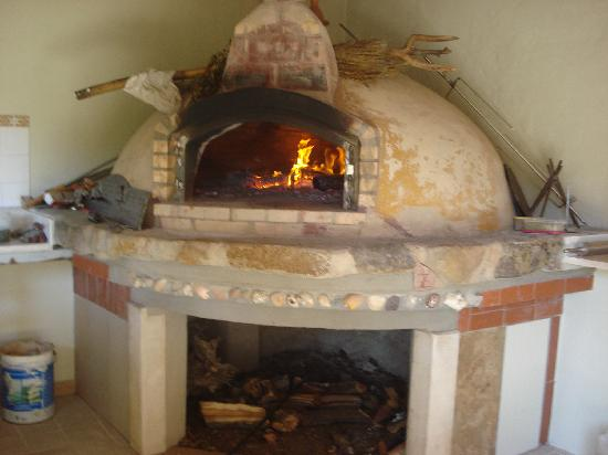O Beiral Restaurant: New Pizza Oven 2