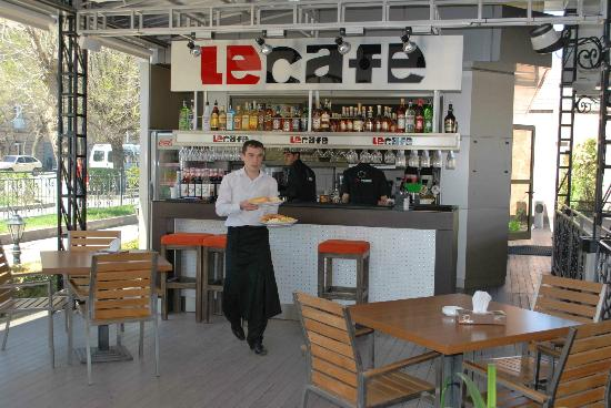 LeCafe: Very courteous staff!