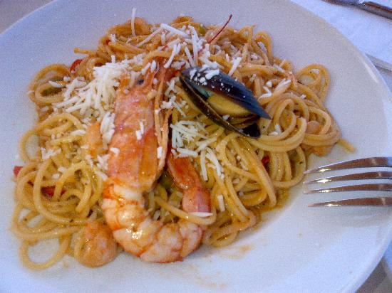 Taverna Kostas : Seafood Pasta- Fit for the queen of seafood :-)