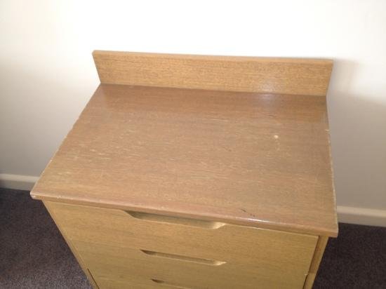 Bayview On The Park: bedside table
